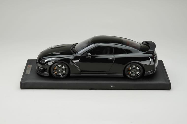 1/18 日産 GT-R R35 エゴイスト メテオフレークブラックパール
